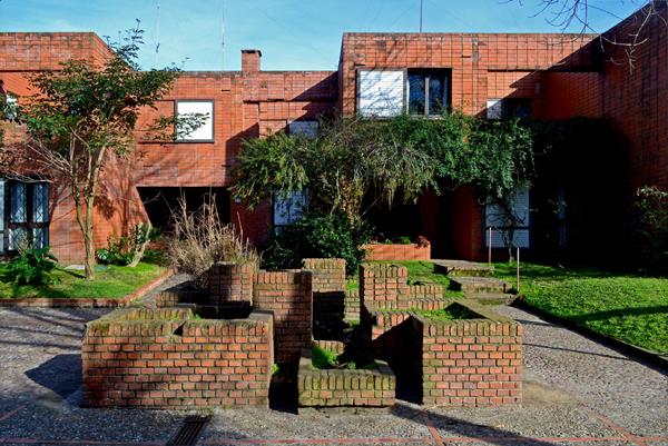 Cooperatica VICMAN, Alfredo Nebel Farini, Montevideo 1970 y 1974. Foto: Pedro Livni, 2014